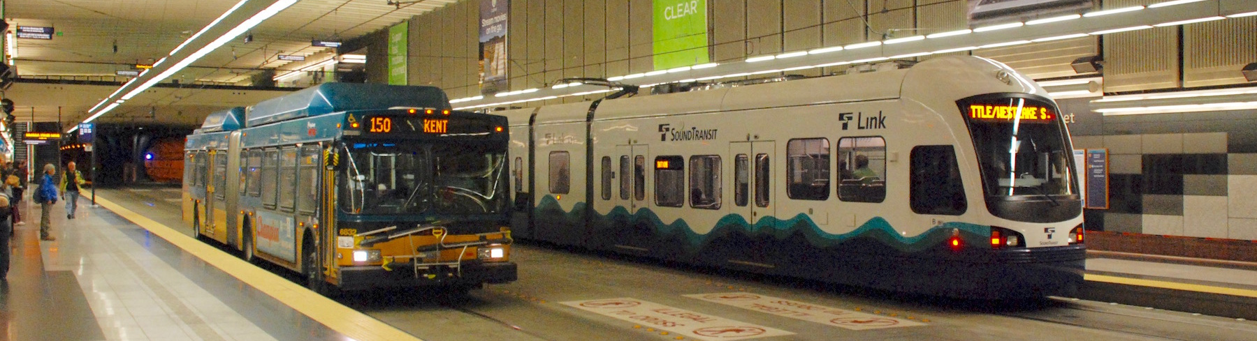 King-County-Metro-Bus-and-Link-Light-Rail-Steve-Wilson-Wikimedia